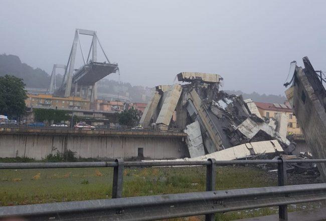 Crollo ponte a Genova